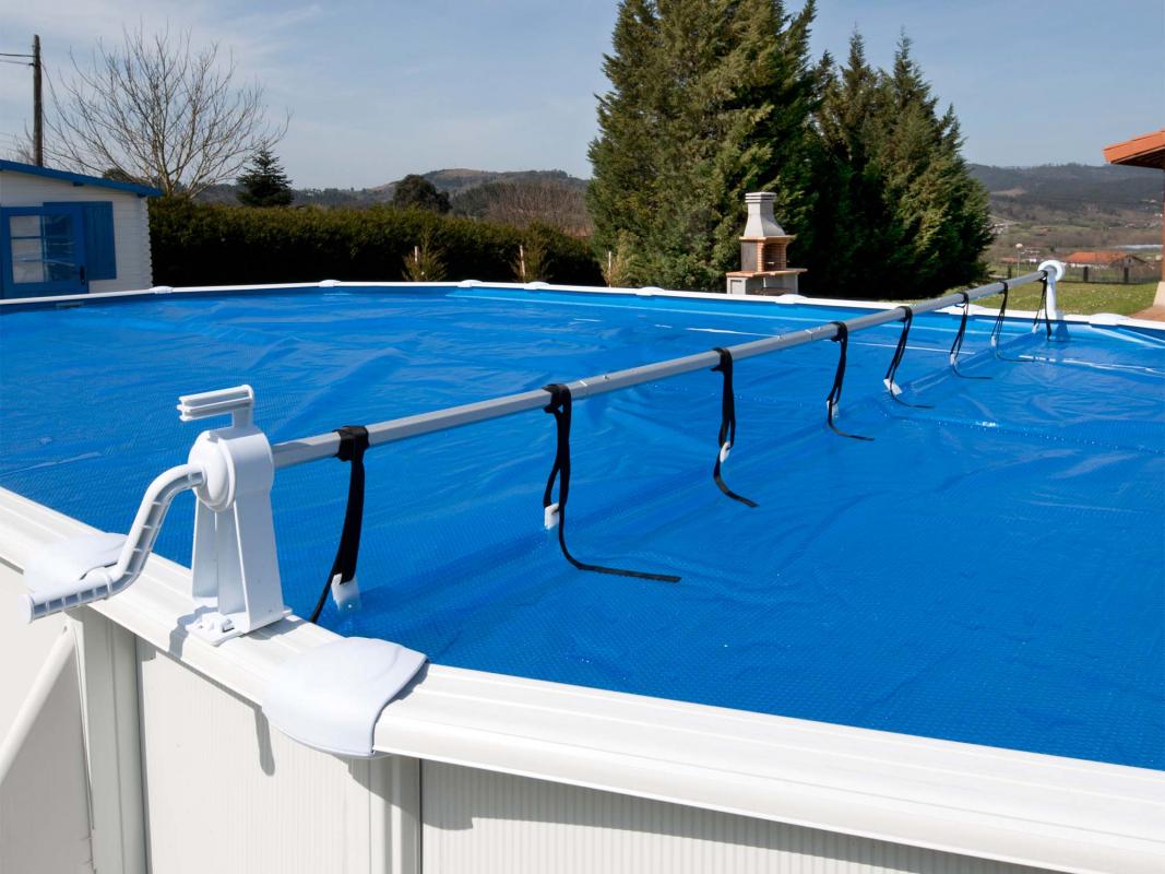 Enrouleur classique pour piscine hors sol gr for Enrouleur bache piscine hors sol sur pied