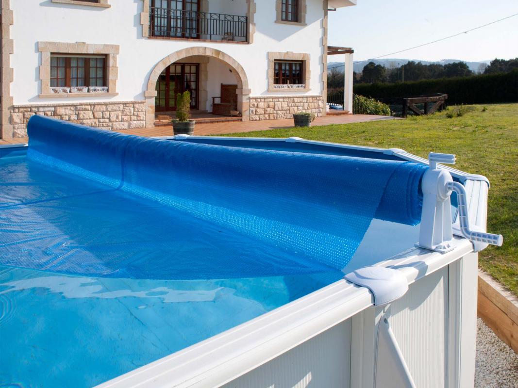 Enrouleur classique pour piscine hors sol gr for Enrouleur piscine